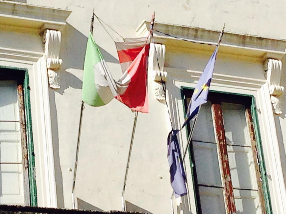 Bandiere comune di Novoi 1