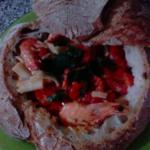 Gamberi in piatto di pane