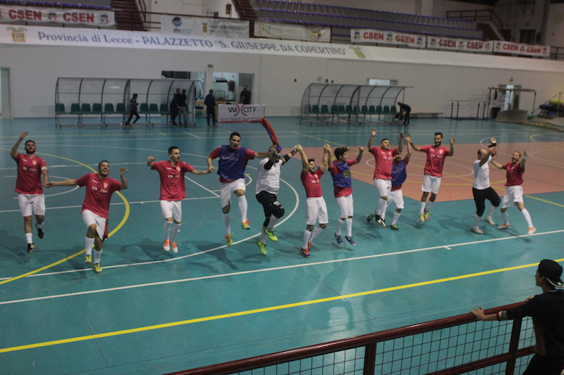 Futsal omaggio ai tifosi