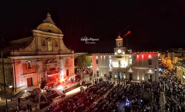 Panoramica piazza Guagnano